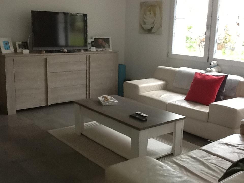 Mietwohnung mit Gartensitzplatz, neuerer Überbauung