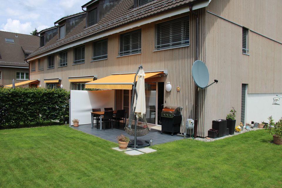 Miete: Eck-Reiheneinfamilienhaus in neuerer Überbauung