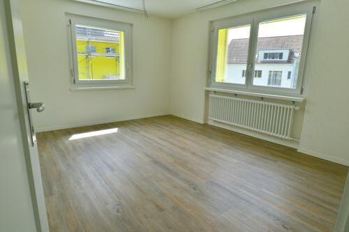 Sanierte Wohnung mit Balkon